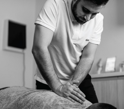 chiropractor back manipulation